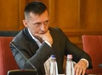Rogán Antal húga marad a polgármester Szakonyfaluban