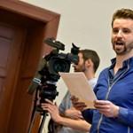 A kopaszbalhé egyetlen jogi következménye: elítélték a tiltakozó Gulyás Mártont