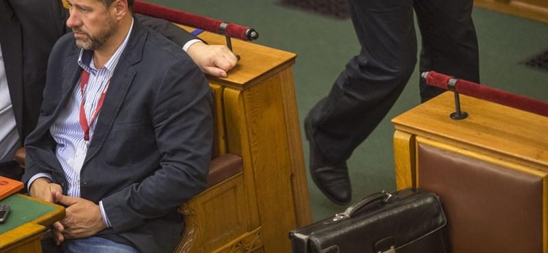 Döntött a szakbizottság, felfüggeszthetik a fideszes Simonka mentelmi jogát
