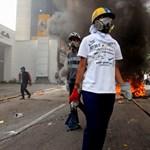 Halálra égett egy ellenzéki tüntető Venezuelában