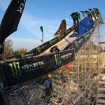 Fotó: építik a Fridge Fesztivál monstre rámpáját a Városligeti Műjégpályánál