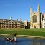 Már a Tinderen is vadásznak a hallgatókra a brit egyetemek