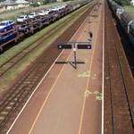 Megint késnek a vonatok a szolnoki vonalon, most műszaki hiba miatt