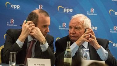 Néppárti elnök: A Fidesz egyelőre maradhat