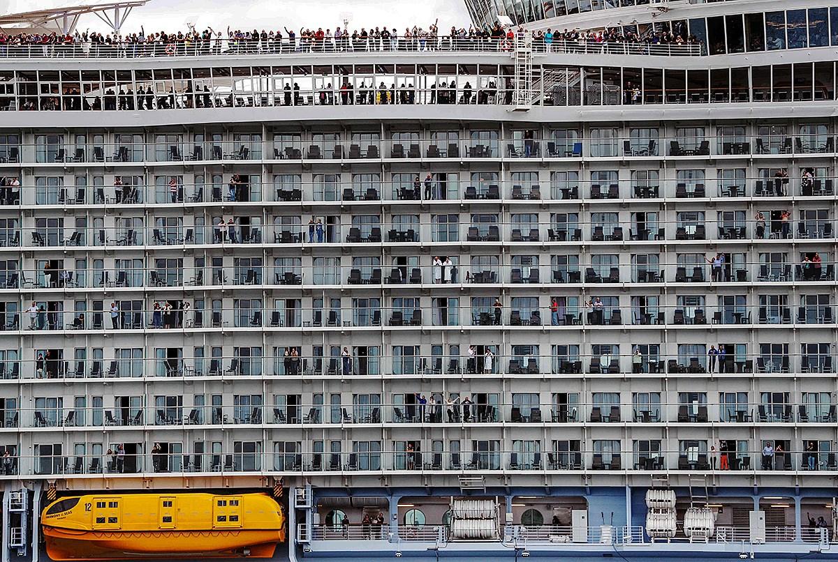 A tengerek szállodája - a világ legnagyobb kirándulóhajója fedélzetén
