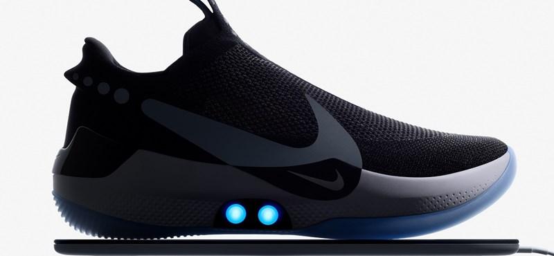 Csúnyán leszerepelt a Nike önbefűző cipője