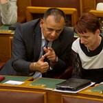 Ma áll fel Orbánék kötelező jellegű pedagógus-érdekképviselete
