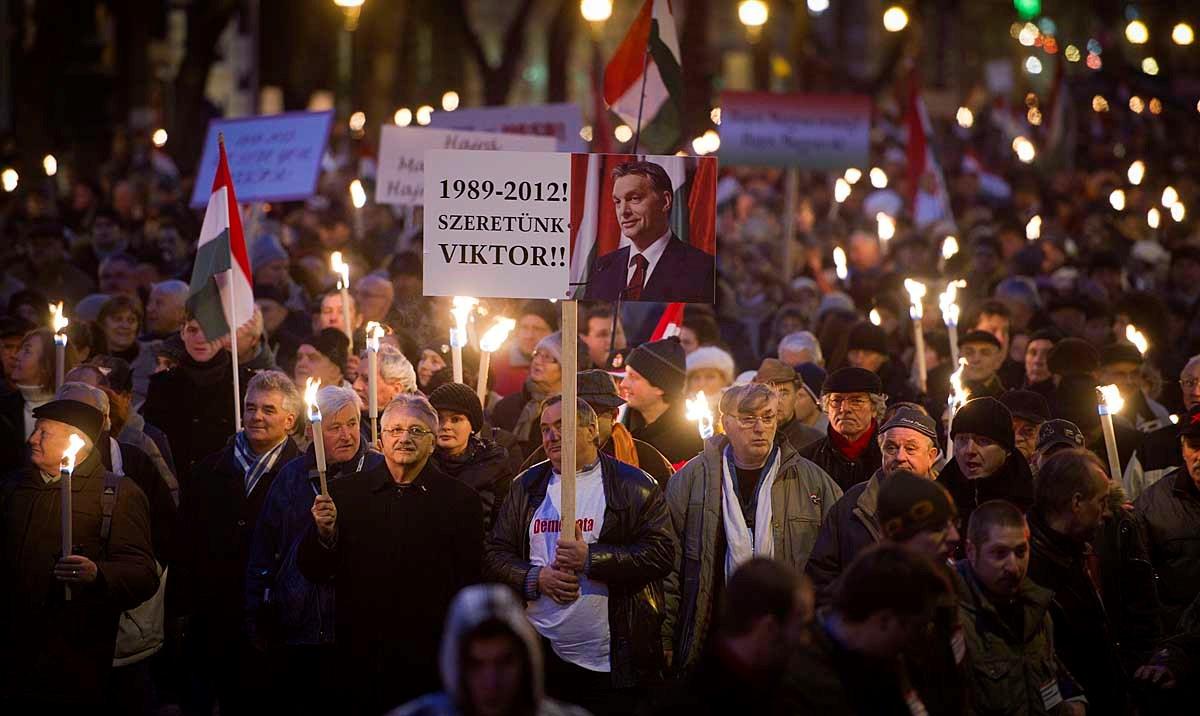 Békemenet: százezrek a kormány mellett - Nagyítás-fotógaléria