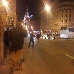 Tiltakozó diákok bénították meg a forgalmat a Blaha Lujza téren