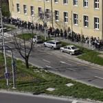 Videó: A Bocskai úton órákat kell várni a szavazásra
