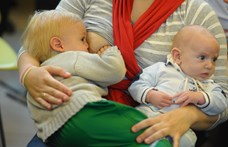 Évekkel később is rosszul jár a gyerek, ha az anya szoptatáskor cukros üdítőket iszik