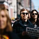 Hatalmas tüntetést szerveztek diákok a fegyvertartás szigorításáért
