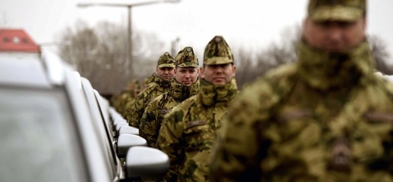 Megint katonai konvojok járnak majd az M7-esen