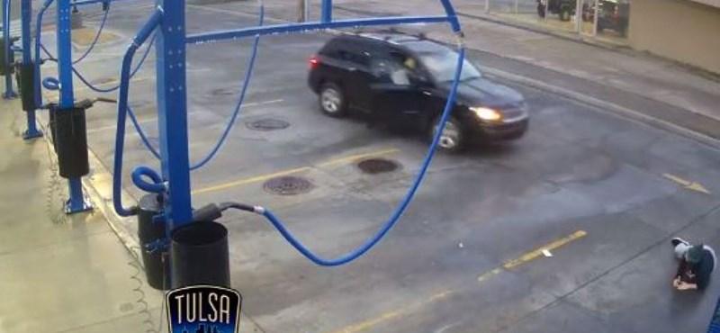 Porszívózás közben vitte el a tolvaj az autót – videó