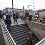 Kiürítették a Deák téri metrómegállót