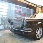 Félmillió euróba kerül egy ilyen bizarr kínai limuzin