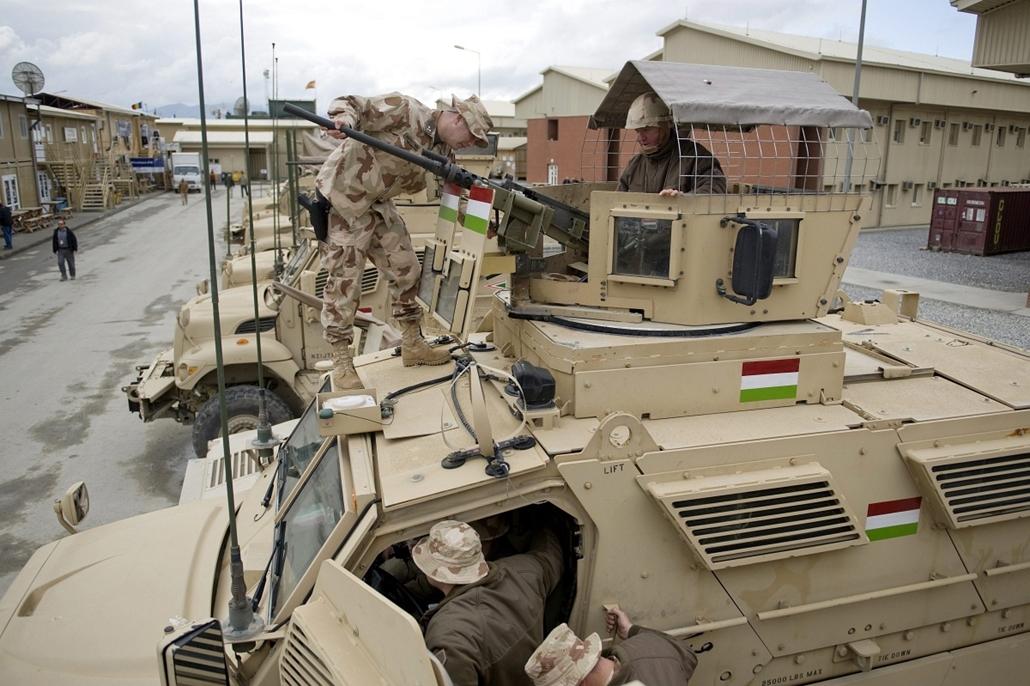 Magyar katonák, Afganisztán, Hende Csaba Afganisztánban, Kabul, 2013. március 25.