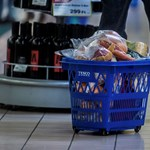 Löncshúst, lisztet és wc papírt vesz járvány idején a magyar