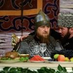 A papa hiába a csecsen elnök, két kiskorú gyermeke többet keresett nála