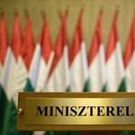 Elmúlt az Orbán-varázs, a követők új jelre várnak