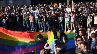 Szél Bernadett: Az ombudsmanhoz fordulok az lmbt+ fiatalok alapjogsérelme miatt