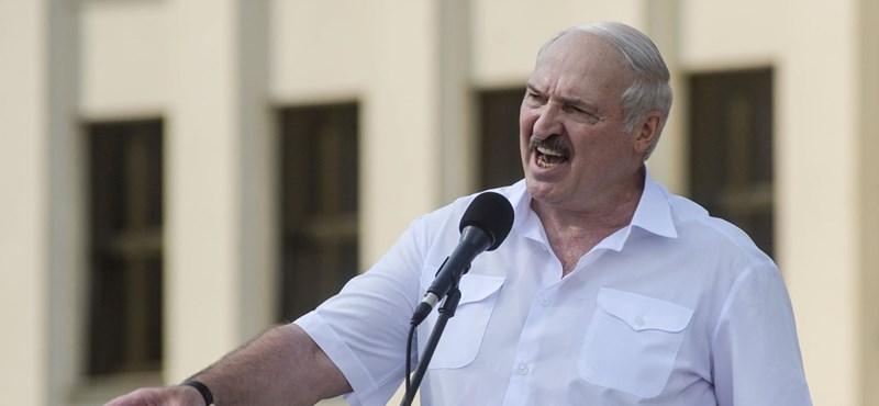 A külügyi bizottság fideszes elnöke szerint Magyarországnak szolidárisnak kell lennie a belarusz néppel