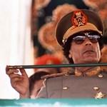 """Kadhafi: """"élek és egészséges vagyok"""""""
