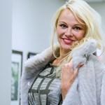 Pamela Anderson: A nőknek tudniuk kell, mire számíthatnak egy hotelszobában