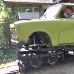A nap videója: pöfékelő kisvonat lett a Trabantból