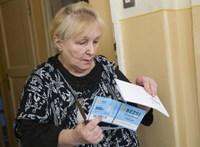 Józsefváros emeli a tétet: ott 8000 forintot fizetnek az időseknek