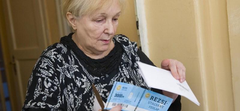 Mennyit ér egy nyugdíjas hálája? – kis magyar választási ajándéktörténelem