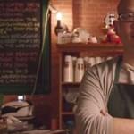 Videó: Egy kínai férfi, aki a Jóbarátok világában él