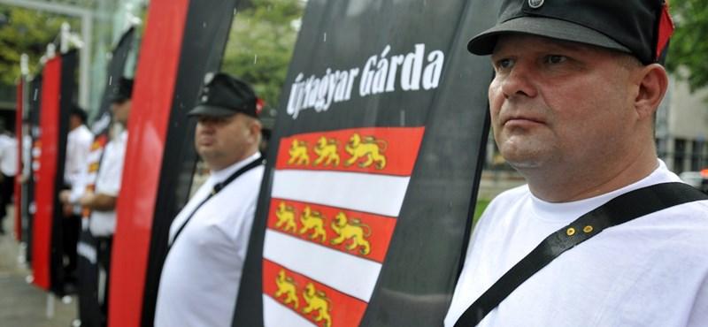 """A náci alvilág látszólag """"nulla pénzből"""" garázdálkodik Magyarországon"""