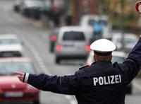 Hét magyar szenvedett súlyos balesetet Németországban egy autós üldözés után, ketten meghaltak