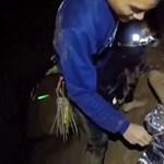 Nincs még vége a thai drámának: ezért zárták karanténba a megmentett fiúkat