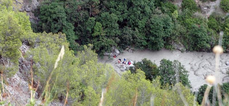 Legalább nyolc túrázó fulladt meg egy megáradt folyóban Olaszországban