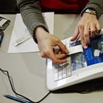 A szabályt betartó pénztárgépesek február végéig vehetik igénybe a támogatást
