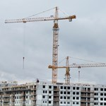 Stiklik garmadáját kínálja az új lakásáfa