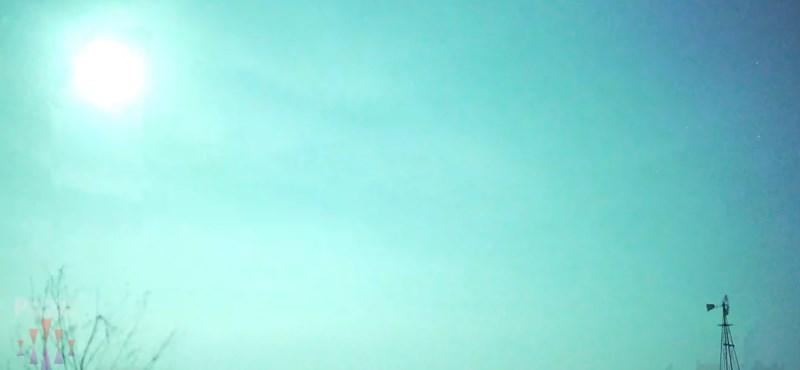 Több amerikai államban is látták a különleges, kék fénnyel világító meteort