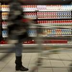 Világvége-hangulatban a bolti eladók a vasárnap miatt
