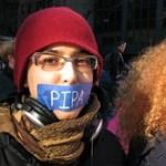 ACTA: a kalózok a jogra mutogatnak, a jogalkotók meg a kalózokra