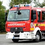 Magyar tűzoltóautót mutattak be, íme a fotók!