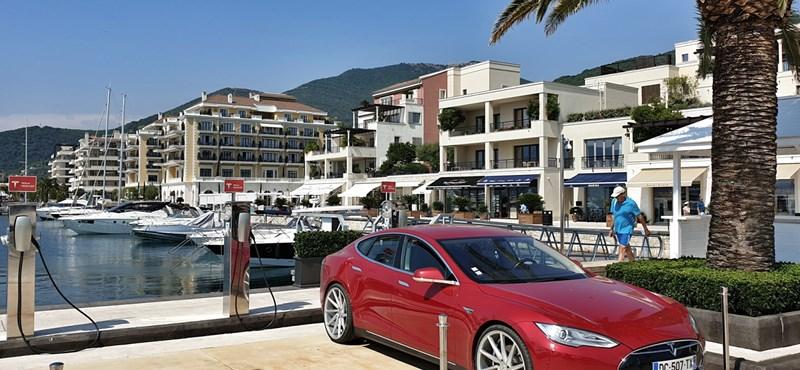 Bárki mehet Montenegróba turistáskodni, megnyitják az összes határt