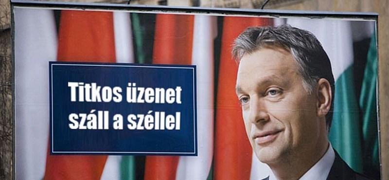 """""""Üzenjük Brüsszelnek: keresett a Feri"""" – beindult a mémgyár a Fidesz plakátjaitól"""