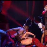 Madonna az edzettsége miatt úszta meg a zuhanást