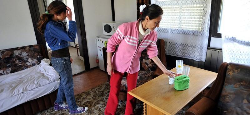 Budapest  az uniós és nemzeti politikákkal együtt segítene a romákon
