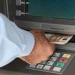 Ciprus: 25 százalékos adót is kivetnének a nagy betétekre