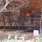 Egy lépcsőfordulóban találtak rá a kiégett református kollégiumban meghalt férfira