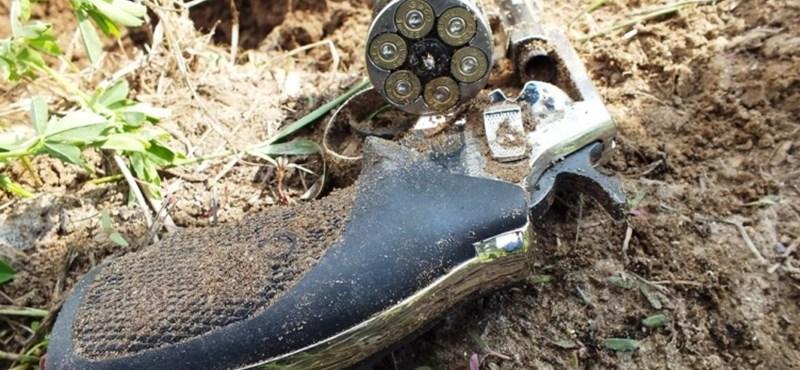 """Lövöldözés Örkényben: """"ahogy megállt a ház előtt, már záporoztak a betondarabok"""""""