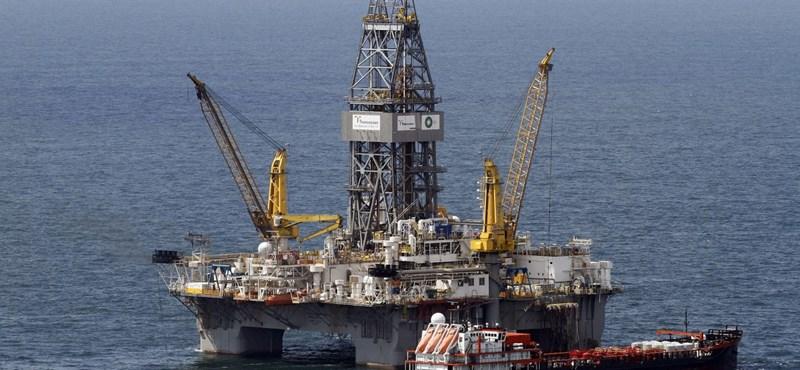 Tizennyolc éve nem látott mélységekben az olaj ára